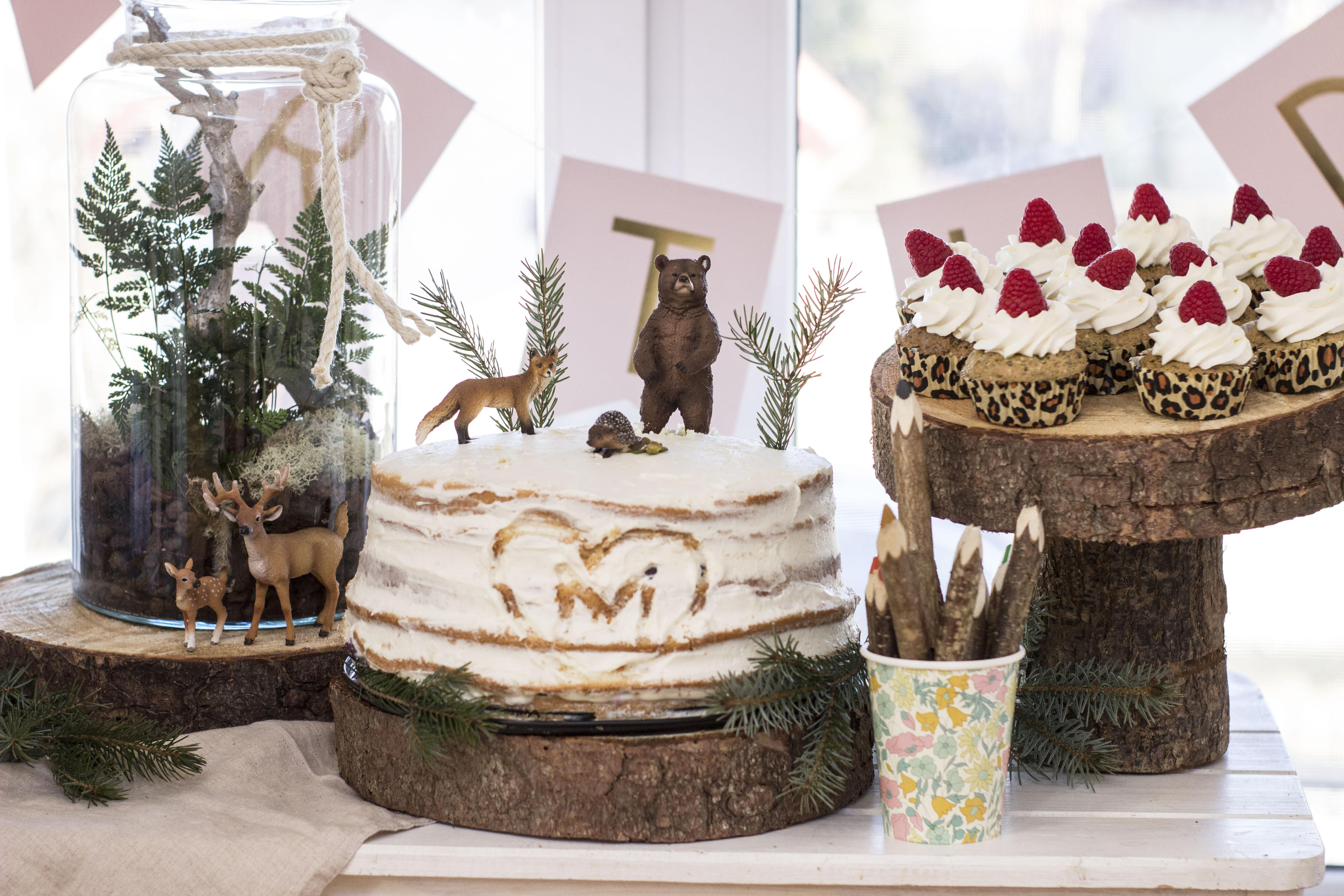 przyjęcie urodzinowe w leśnym klimacie